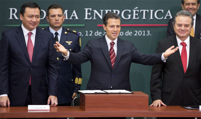 Enrique Peña Nieto da a conocer la Reforma Energética. Gasolinazo