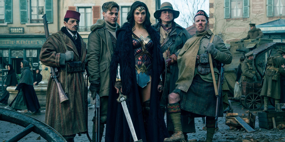 Wonder Woman movie supportig, Warner —Voz Abierta
