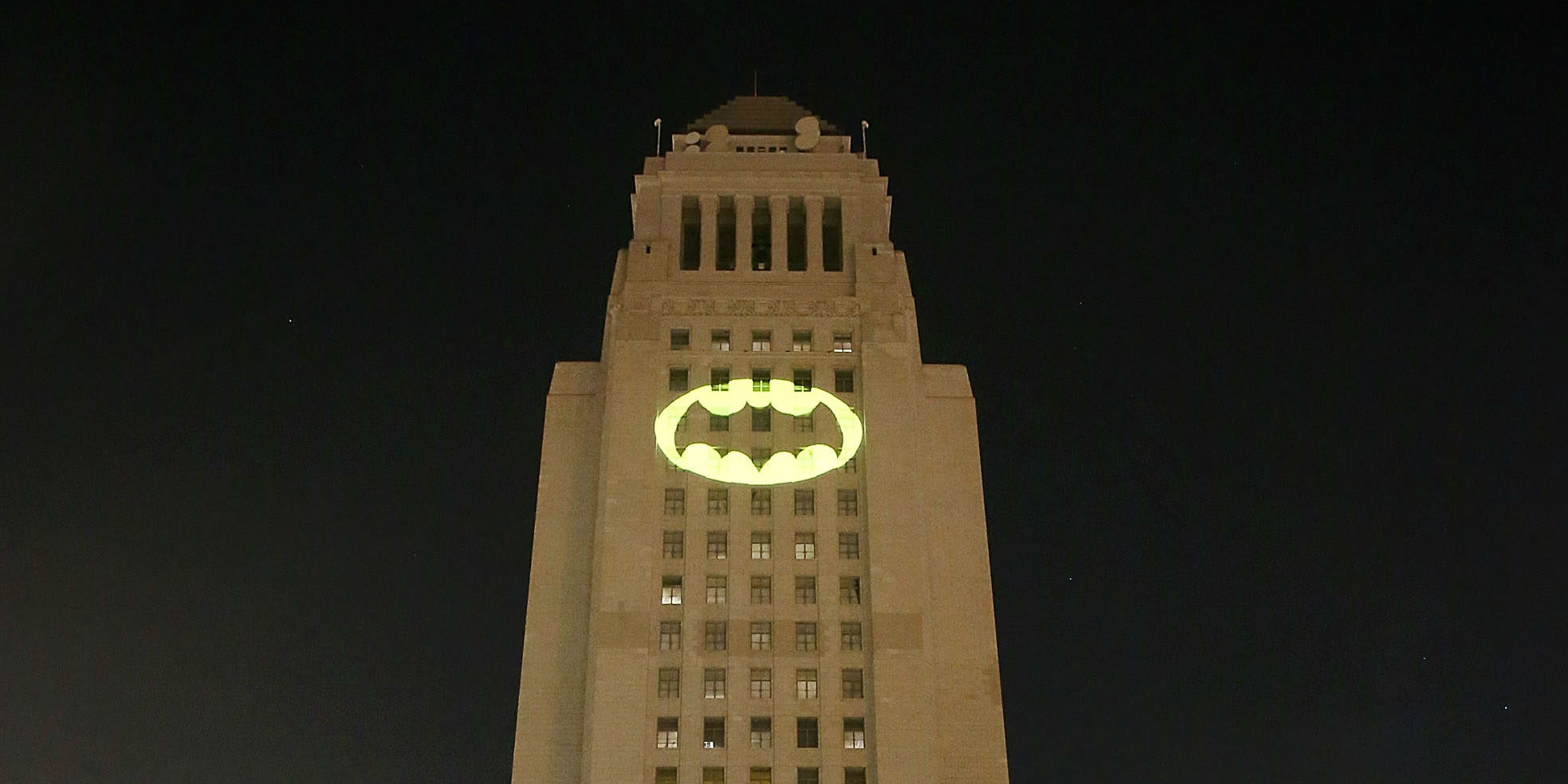 Adam West tribute by the Los Angeles Police Department — Voz Abierta