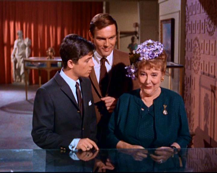 Batman (1966), Aunt Harriet Cooper (Madge Blake), Dick (Burt Ward) and Bruce (Adam West), Warner Bros. — Voz Abierta